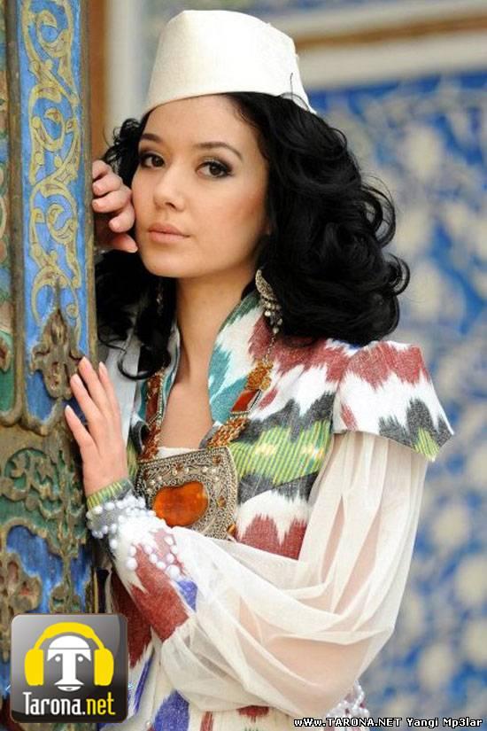 Худую красавицу трахают огромным членом на PornoRussia.TV